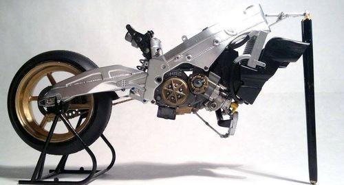 Dettaglio telaio e motore