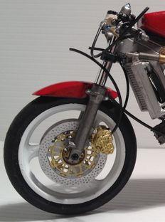 Dettaglio Avantreno sistemato Honda NSR 250 Tamiya
